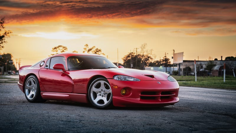Illustration for article titled Your Ridiculously Awesome Dodge Viper Wallpaper Is Here