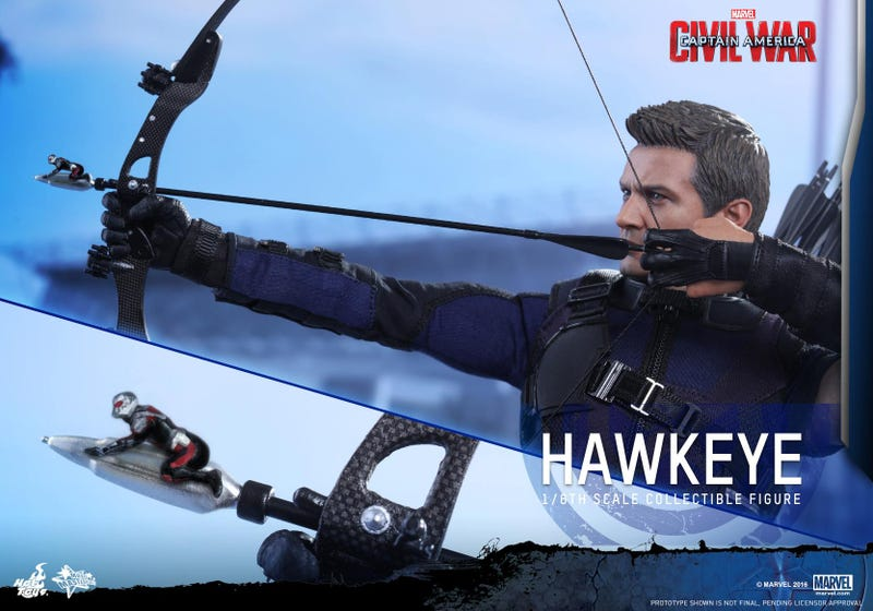 Illustration for article titled Hot Toys' New Ant-Man Figure Comes With A Giant Hawkeye
