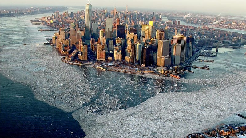 Illustration for article titled Beautiful aerial photo of New York surrounded by ice