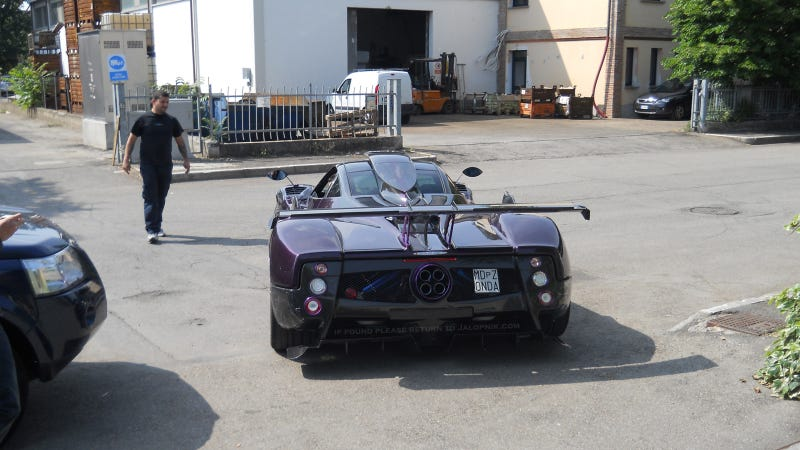 Illustration for article titled One-Off Purple Pagani Zonda 750 Back From The Grave Gallery