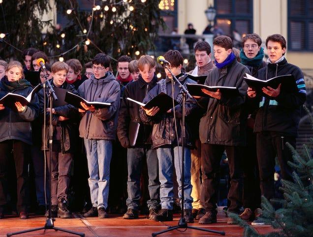 Fourth Verse Of Christmas Carol Gets Super Religious