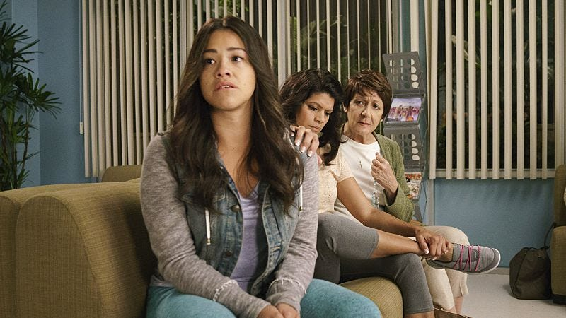 Illustration for article titled A bullet can't kill Jane The Virgin's spirit in an outstanding premiere