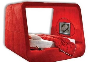 Illustration for article titled Hollandia Sphere Bed Comes With Obligatory Champagne Cooler
