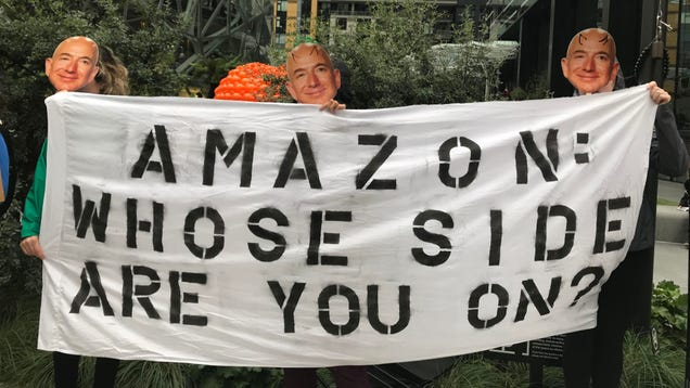Dozens of Jeff Bezoses Protest Amazon s Continued Relationship With ICE