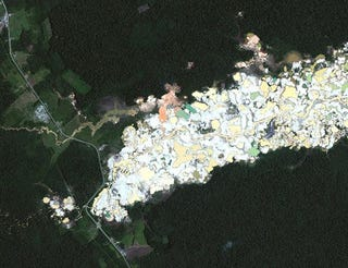 Illustration for article titled Satellite imagery reveals how gold mining is destroying tropical forests