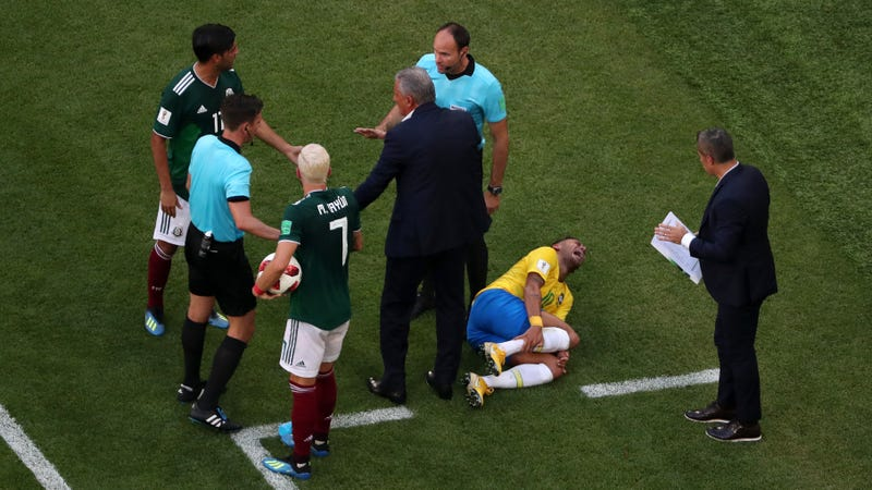 Illustration for article titled Mexico Boss Extremely Pissed About Example Neymar Sets For The Children