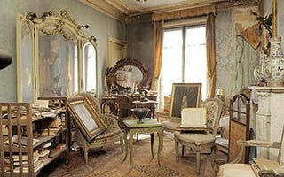 Illustration for article titled Paris Apartment Unopened For 70 Years; Art Treasures Discovered Within
