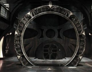 Illustration for article titled Step Into Stargate Universe's Rickety Steampunk Gate Room
