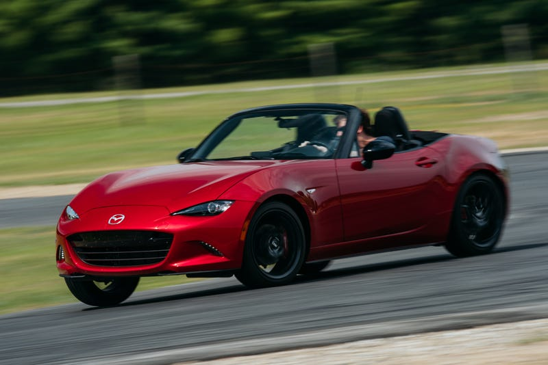Illustration for article titled The 2016 Mazda Miata Will Save The Sports Car