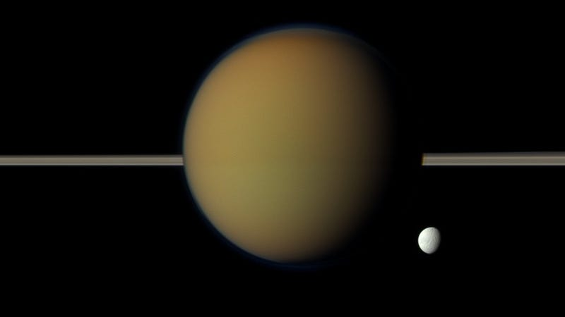 Illustration for article titled Absolutely Stunning Photos of Saturn's Moon Titan
