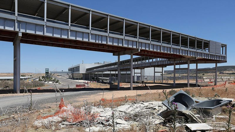 Illustration for article titled Abandoned Airport is a Video Game Level Come to Life
