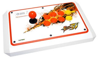 Illustration for article titled Mad Catz Brings Exclusive Street Fighter Sticks To Comic-Con