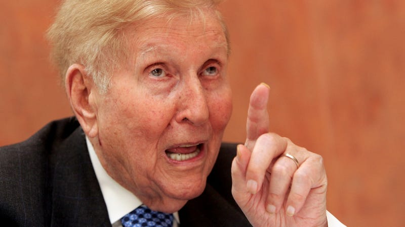 Illustration for article titled When I'm 94, I Want an iPad That Says 'Fuck You' Like Sumner Redstone