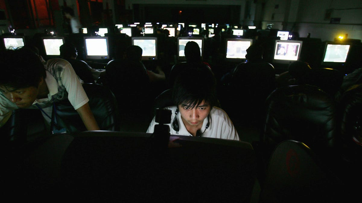 The Weird, Sketchy History of Internet Cafes