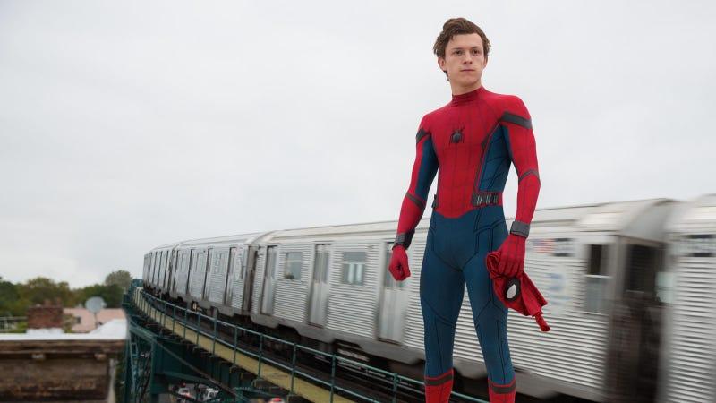 Illustration for article titled Spider-Man tiene un nuevo traje en Far From Home, según filtraciones del rodaje