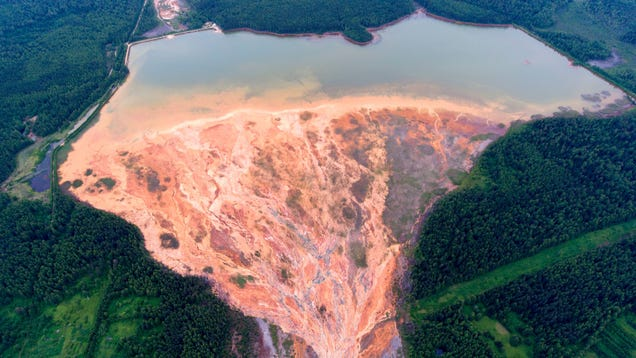 Russian River Runs Orange After a Catastrophic Mine Spill