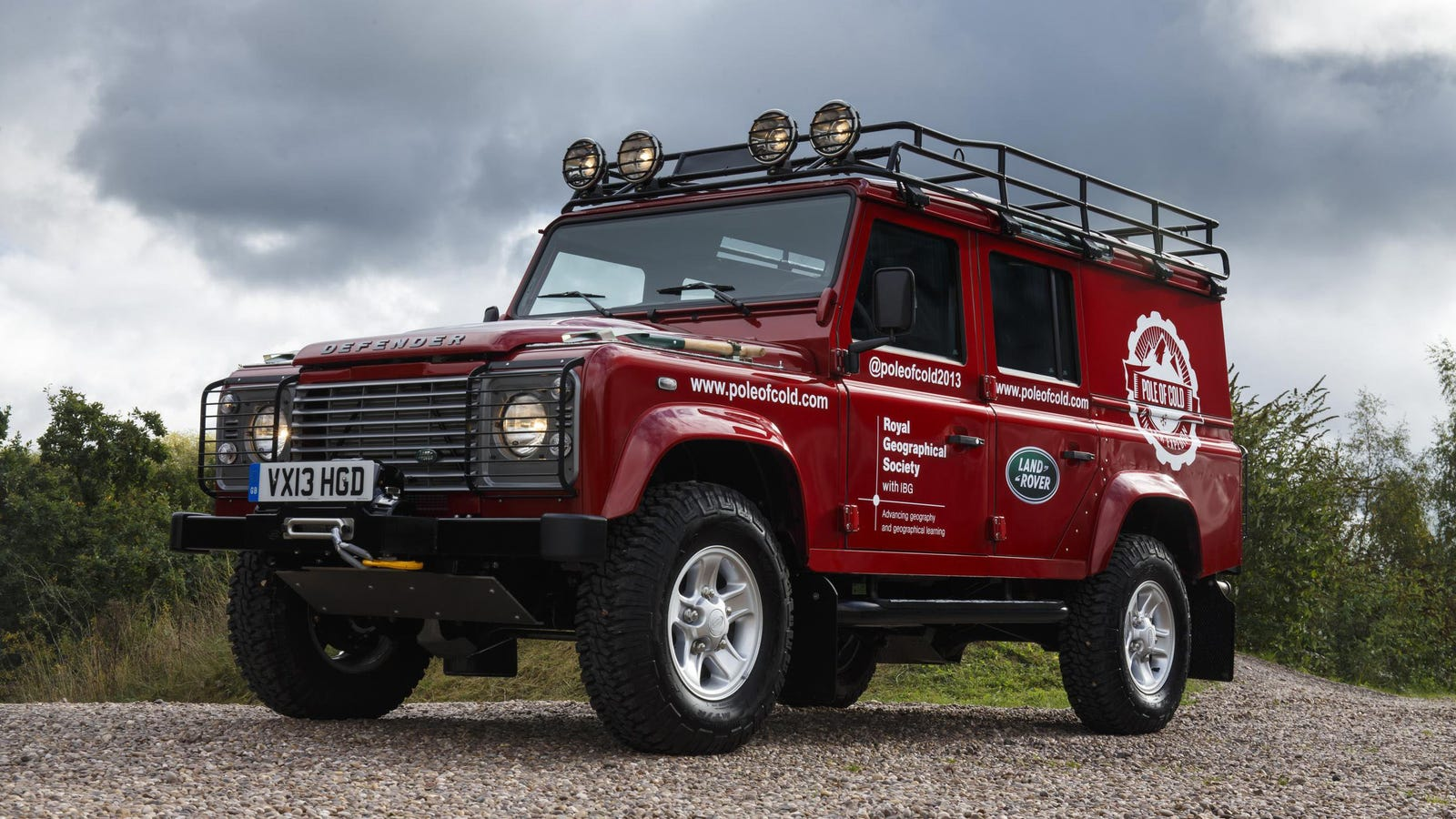 icy siberia won 39 t stop this land rover defender. Black Bedroom Furniture Sets. Home Design Ideas