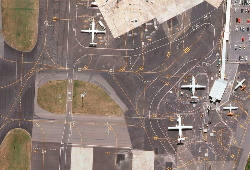 Illustration for article titled Satellite pictures of airports reveal their extreme complexity