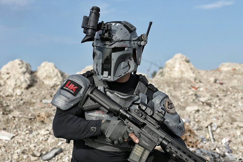 Illustration for article titled Check Out This Boba Fett-Inspired Tactical Armor Before Disney Sues It Out of Existence