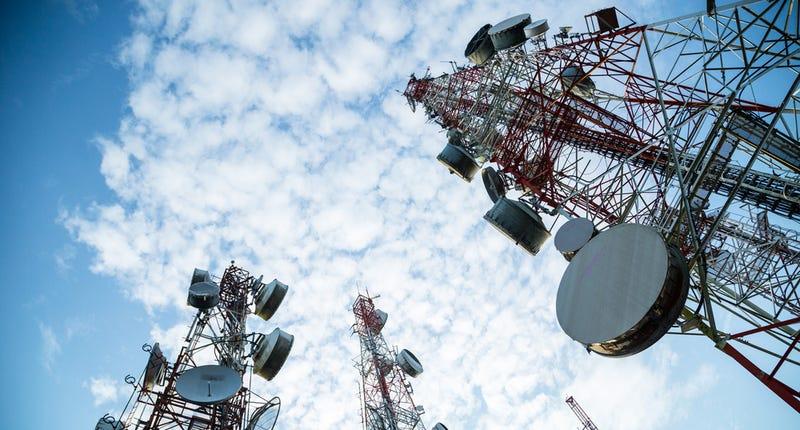No, los campos electromagnéticos de las antenas de telefonía no dañan la salud
