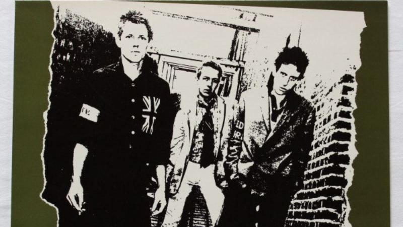 "Illustration for article titled The Clash was deemed an ""amateur act"" on its first record"