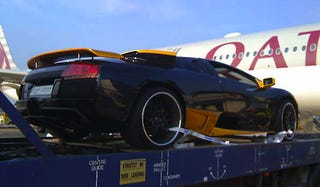 Illustration for article titled Lamborghini Flown From Qatar To Britain For $45,000 Oil Change