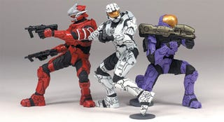 Illustration for article titled New Halo Toy Line Features Wee Spartans, Big Hunter
