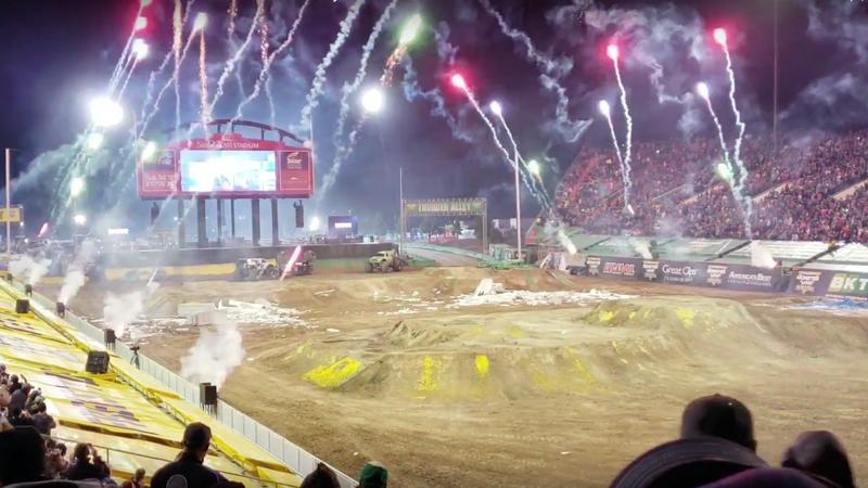 Illustration for article titled Fireworks Shoot Into Crowd At Monster Jam World Finals