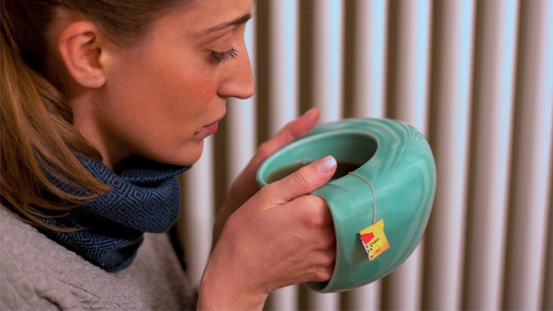 Illustration for article titled This Mug Lets You Harness a Hot Beverage To Warm Your Hands