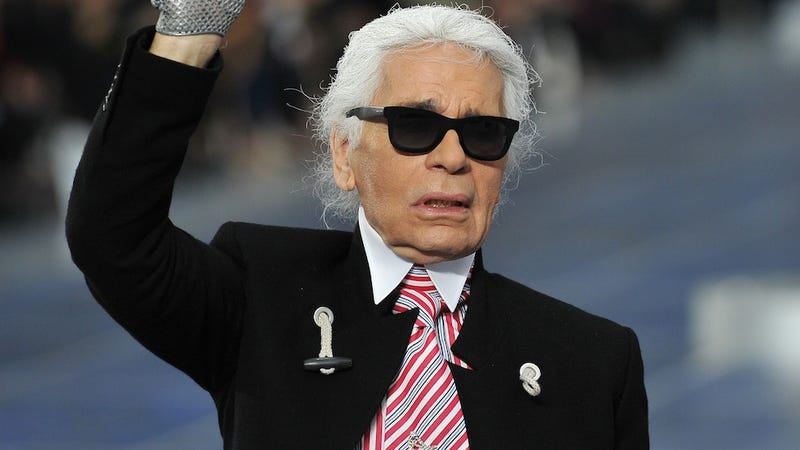 Illustration for article titled Karl Lagerfeld Gets Sued for Saying Dumb Crap About Fat People