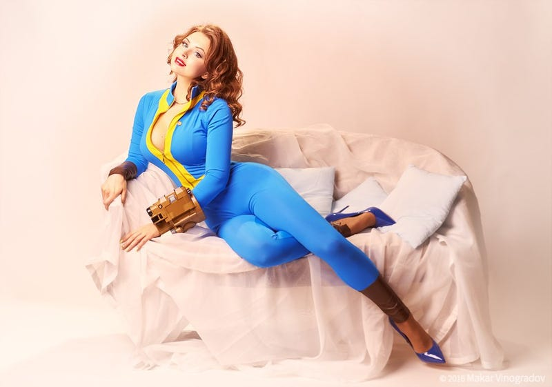 Illustration for article titled Fallout Cosplay, Pin-Up Style