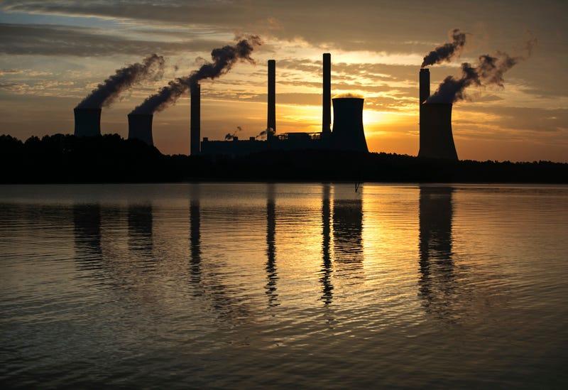 Coal-fired Plant Scherer in Juliette, Georgia. Photo: AP