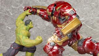 Illustration for article titled Kotobukiya Are Turning The Hulkbuster V. Hulk Brawl Into Amazing Statues