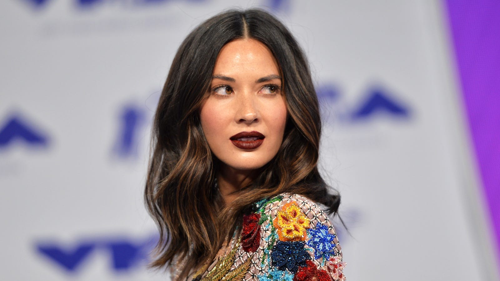 mun hair olivia munn had to pay for her own hair makeup and