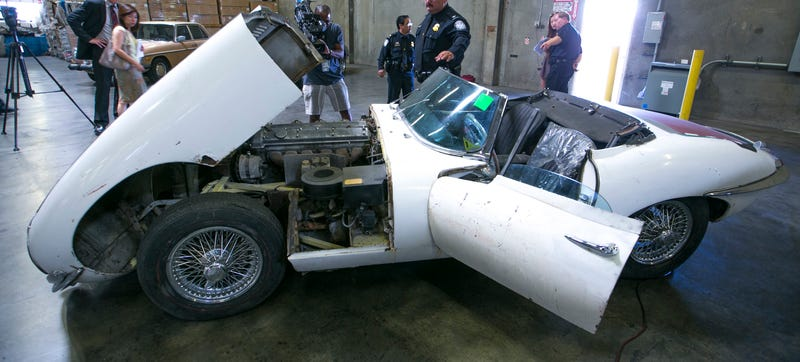 Illustration for article titled Man's Stolen Jaguar E-Type Miraculously Found After 46 Years