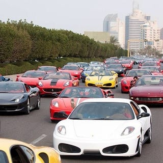 Illustration for article titled Tales From Dubai: The Ostentatious Supercar Parade