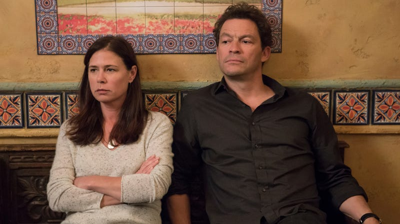 Maura Tierney and Dominic West in The Affair