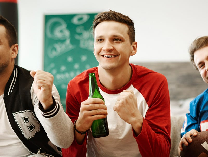 Illustration for article titled 'Now That's What I Call A Fumble,' Reports Man At Super Bowl Party Who Has No Idea What He's Talking About