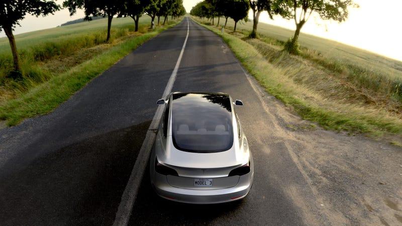 Por qué todo el mundo debería pensárselo dos veces antes de comprar un Tesla Model 3