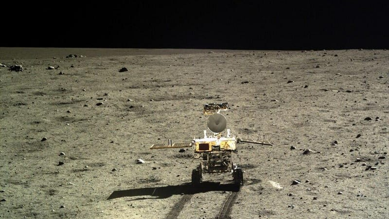 Illustration for article titled China's Lunar Rover Yutu: Not Dead Yet