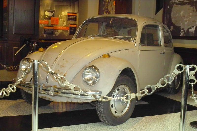 dc 39 s crime museum home of ted bundy 39 s death car set to close. Black Bedroom Furniture Sets. Home Design Ideas