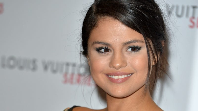 Illustration for article titled Selena Gomez, 23, Is an Ancient Crone