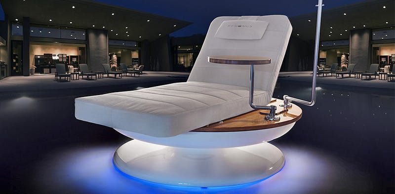 Illustration for article titled A $45,000 Lounger That Automatically Turns to Track the Sun