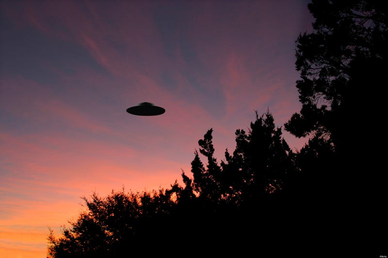 Illustration for article titled UFO sightings in Canada rose alarmingly in 2012