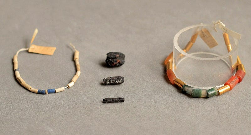 Illustration for article titled Estas joyas egipcias de hace 5.000 años vinieron del espacio