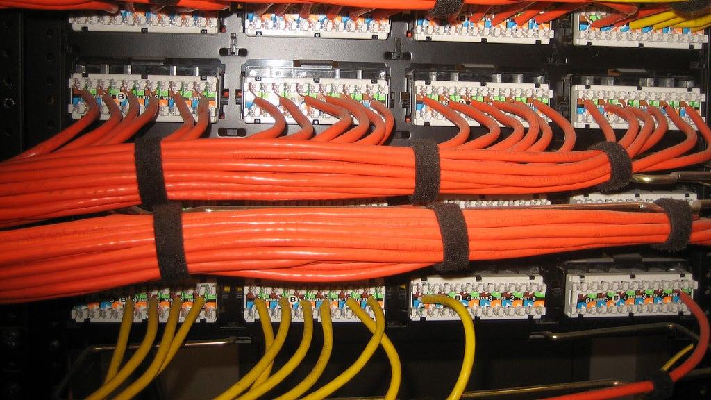 ddjimeegkbcixcnphsnk use velcro straps to tame your cables