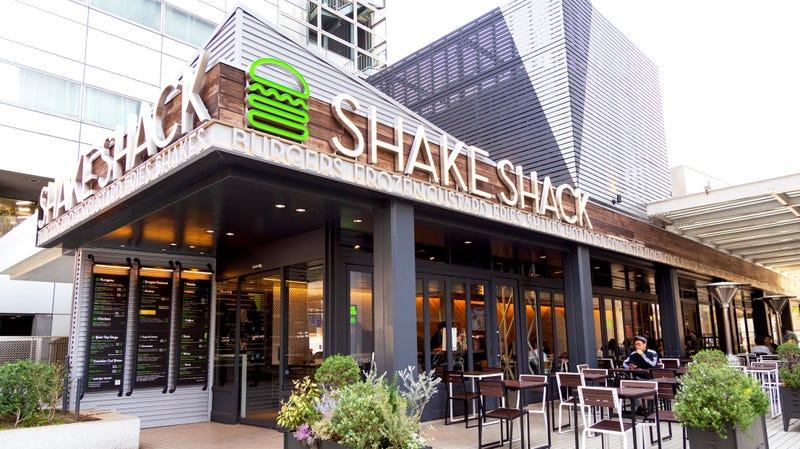 Illustration for article titled Shake Shack finds chicken nuggets bafflingly expensive