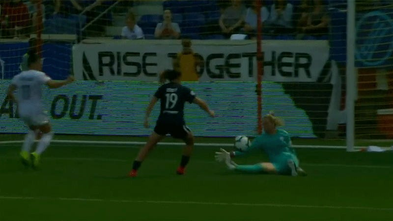 Ashlyn Harris Somehow Didn't Get A Foul For This Draw-Preserving Takedown