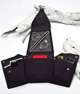 Illustration for article titled Squeeze Your Gear Into Your Carry-On With This Origami Pouch