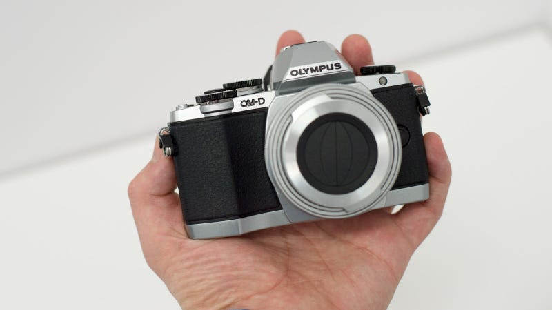 Illustration for article titled Olympus OM-D E-M10: The Sub-$1000 Compact Camera We've Been Waiting For